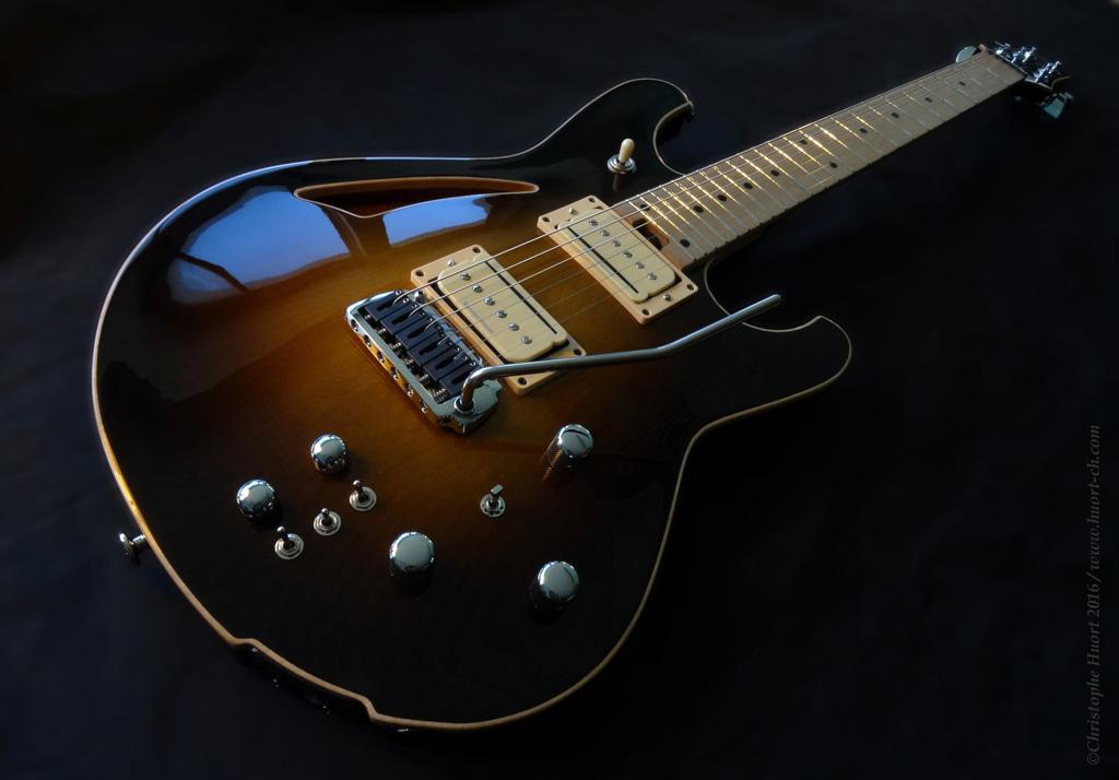 Guitare électrique modèle Liberty conçue par le luthier Christophe Huort.